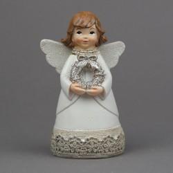 Anděl s věncem v rukou